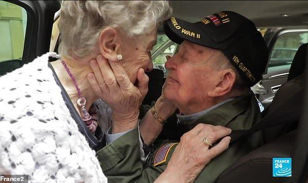 """""""Kurrë nuk më dole nga zemra"""", veterani amerikan 97 vjeç, takohet me gruan me të cilën ra në dashuri 70 vjet më parë"""