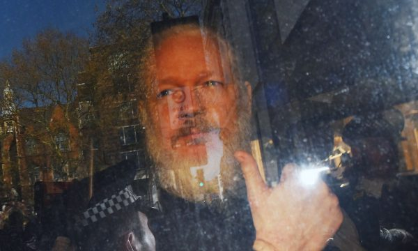 Britania do të vendosë në shkurt për ekstradimin e Assanges