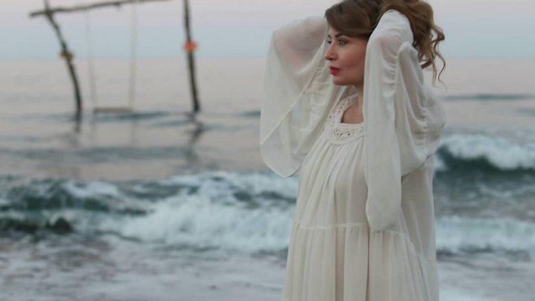 Rovena Dilo të hënë sjell video projektin e ri muzikor