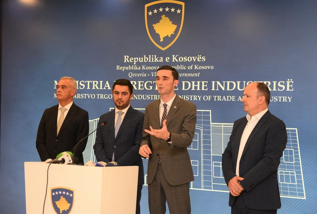 Ministri Shala takohet me Ministrin e Ekonomisë nga Maqedonia e Veriut