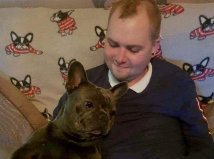 Qeni ndërron jetë 15 minuta pasi vdes pronari i tij