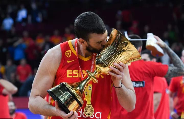 Marc Gasol shkruan historinë me Spanjën pas triumfit në finale