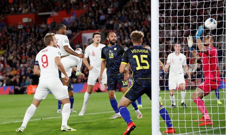 Anglia kalon në epërsi kundër Kosovës