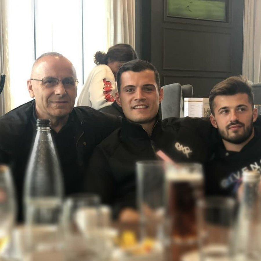 Granit Xhaka e Albian Ajeti vizitojnë kombëtaren e Kosovës para ndeshjes me Anglinë