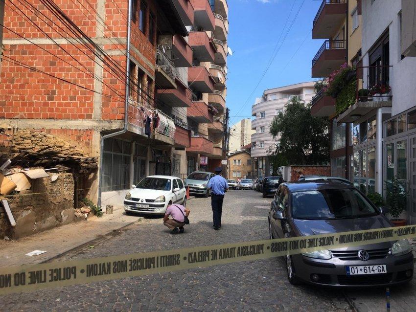 Detaje nga të shtënat me armë në Prishtinë, ku mbeti i plagosur një person