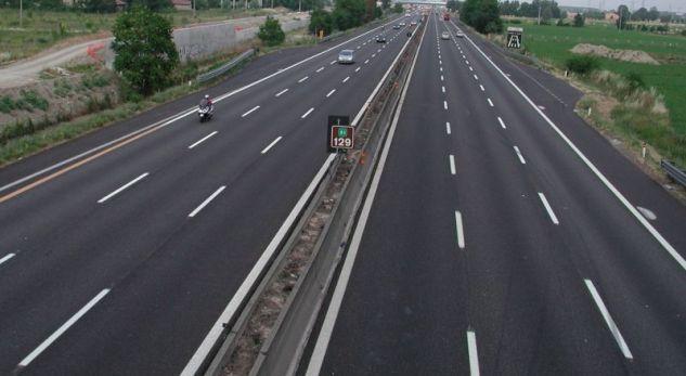 Serbia nënshkruan kontratën për ndërtimin e autostradës Nish-Merdare