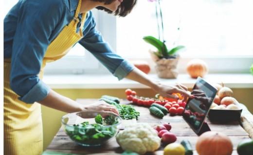 Pesë ushqimet që ju mbajnë larg gripit