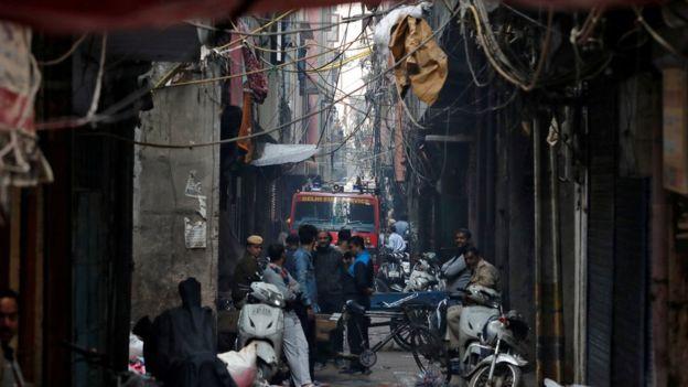 Zjarri kaplon fabrikën në Indi, vdesin 43 punëtorë