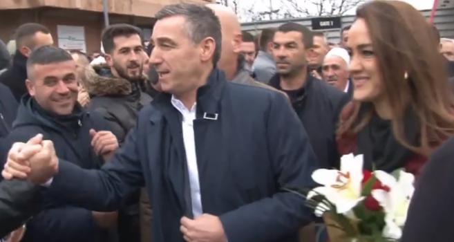 Veseli mbërrin në Kosovë: Lavdi e përjetshme për UÇK-në dhe popullin saj