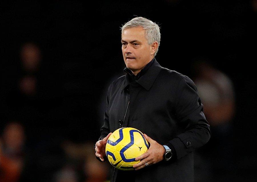 Mbrojtësi i Juventusit pritet të jetë transferimi i parë i Mourinhos