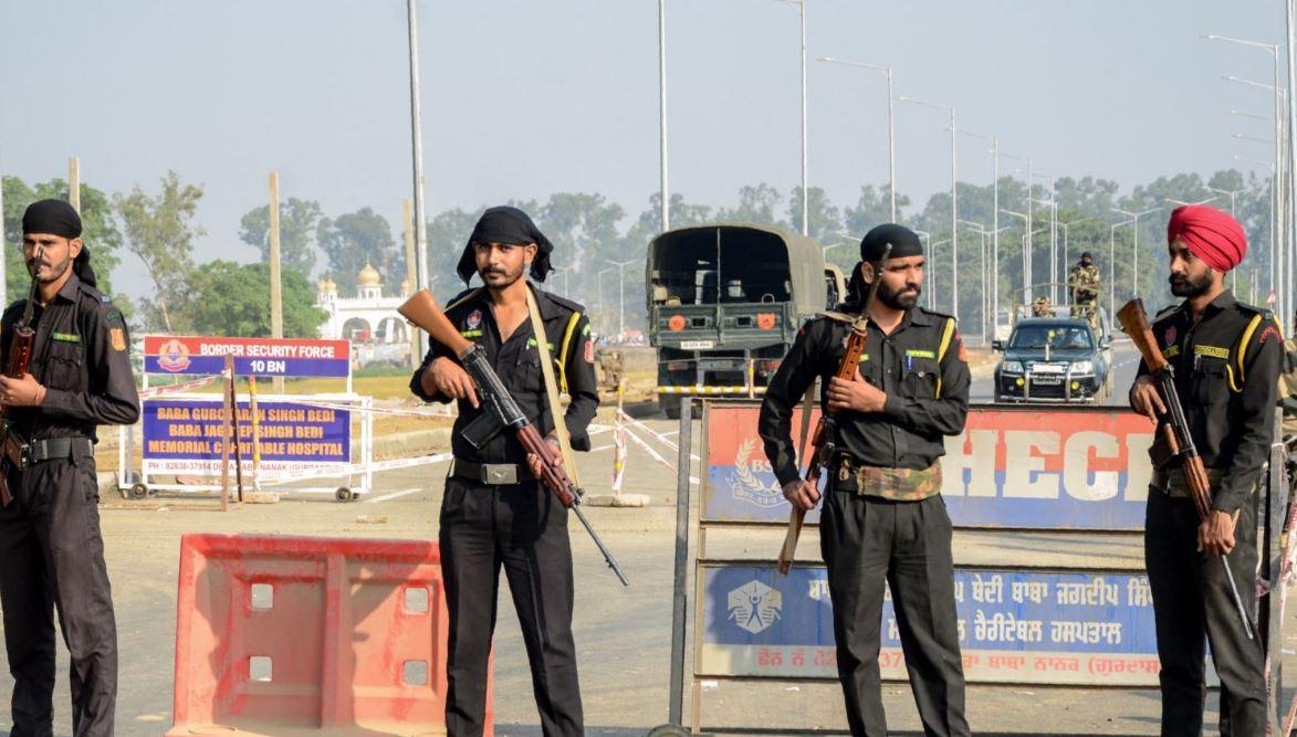 Policia indiane vret katër të dyshuar për përdhunim dhe vrasje