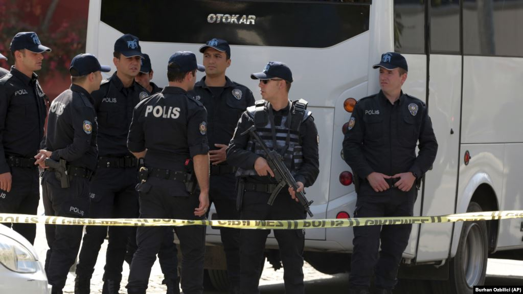 Turqia arreston 176 ushtarë nën dyshimin për lidhje me Gulenin