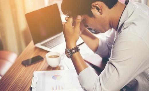 Stresi financiar kërcënim serioz për shëndetin e njeriut